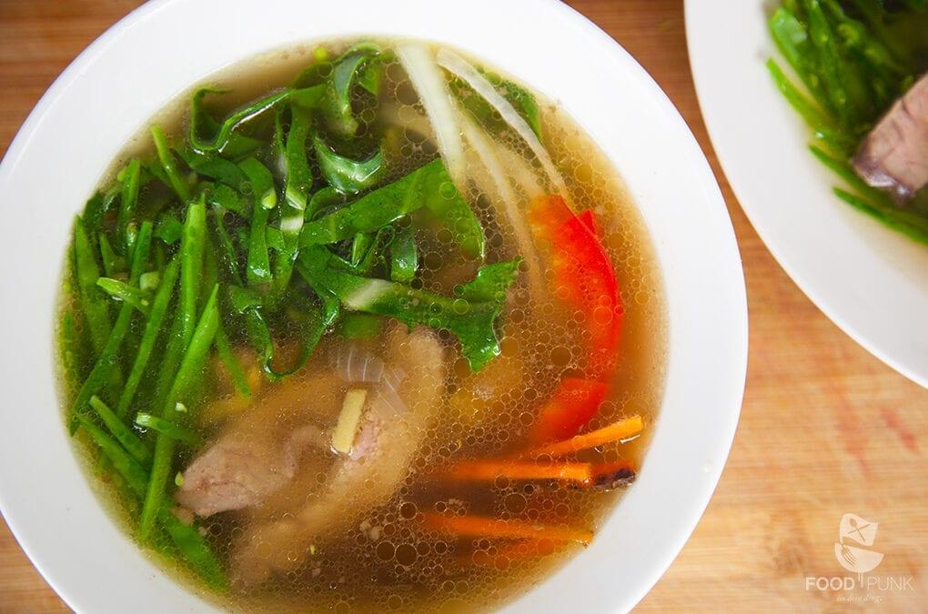 "Wärmende ""Pho"" – vietnamesische Suppe"