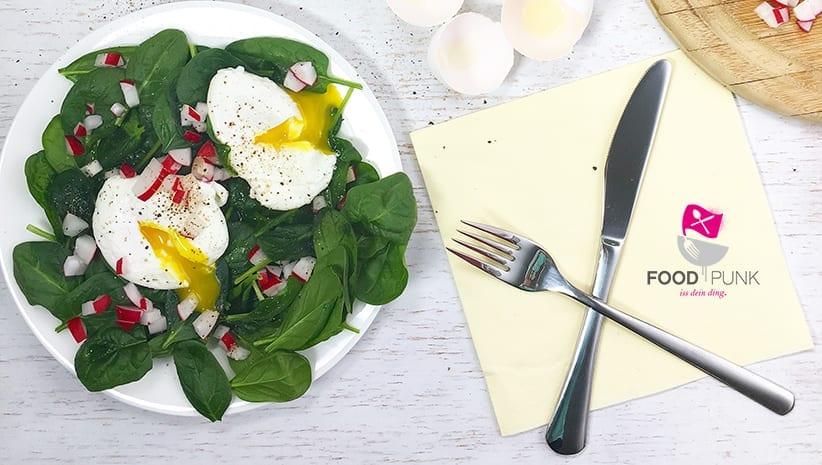 perfekt pochierte eier schritt f r schritt foodpunk. Black Bedroom Furniture Sets. Home Design Ideas