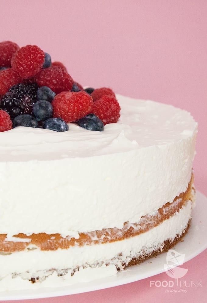 Low Carb Kase Sahne Torte Mit Beeren Foodpunk