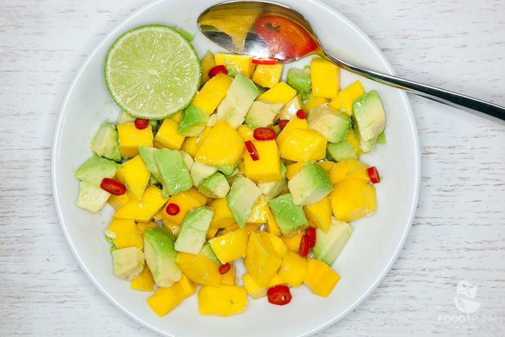 lachsforelle mit mango avocado salsa foodpunk. Black Bedroom Furniture Sets. Home Design Ideas