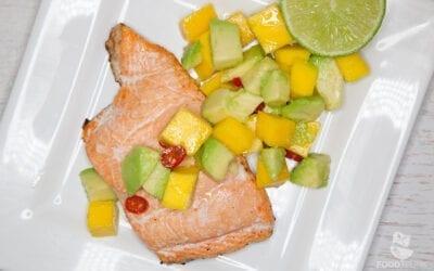 Lachsforelle mit Mango-Avocado-Salsa