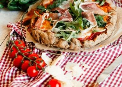 Pizza Margherita und Serrano e Rucola