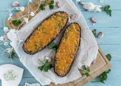 Low Carb Brot anders – unser Knoblauch-Käse-Bread