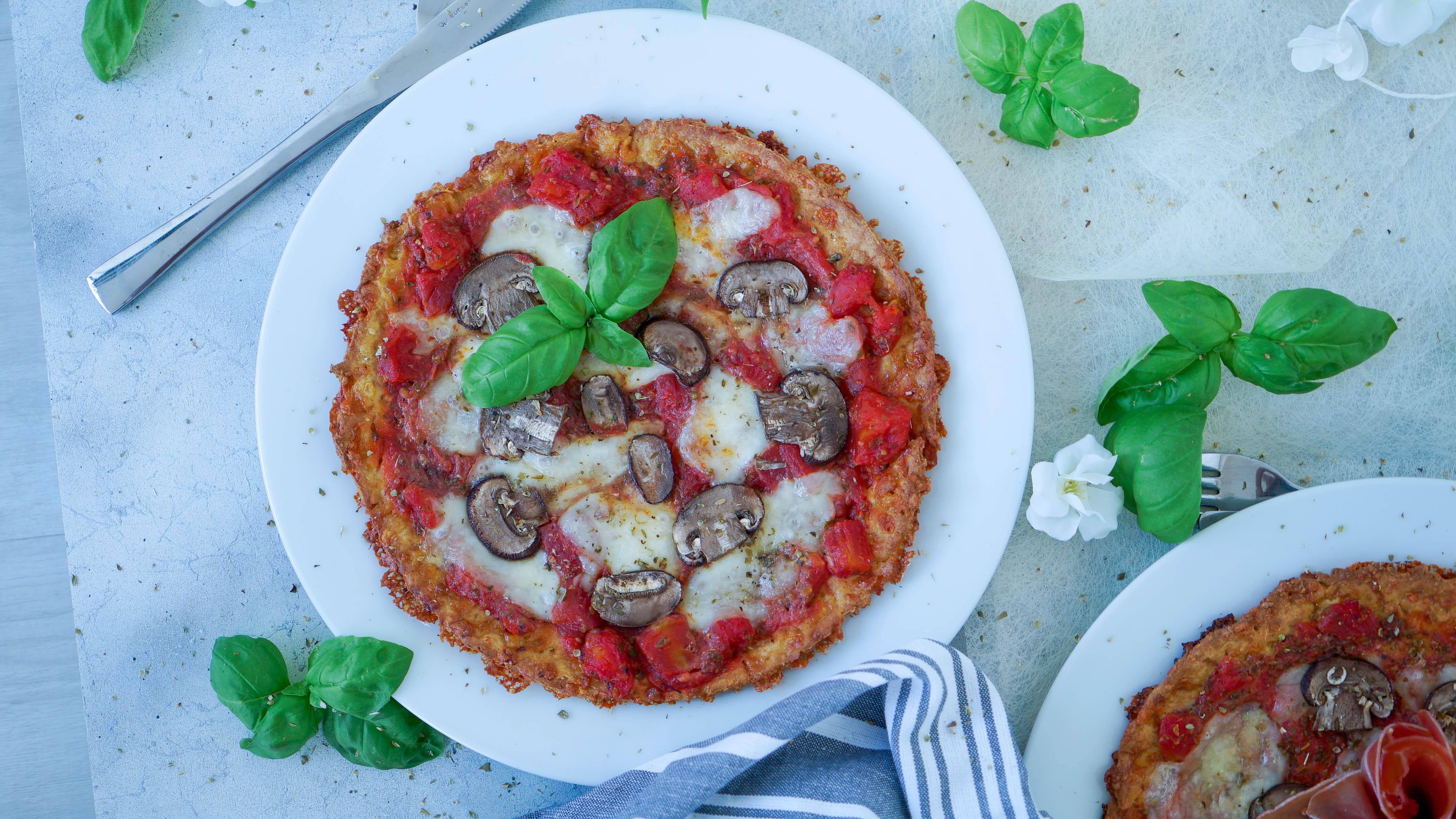 Low Carb Pizza mit Mandelmehl