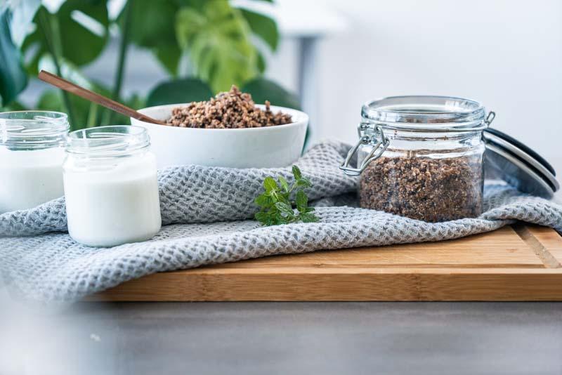 Keto-Knuspermüsli für ein knuspriges Frühstück