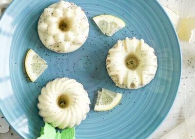 saftige Zitronen-Muffins mit Mohn und Chia