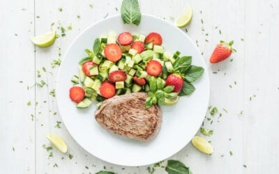 Saftiges Steak mit Erdbeer-Salsa
