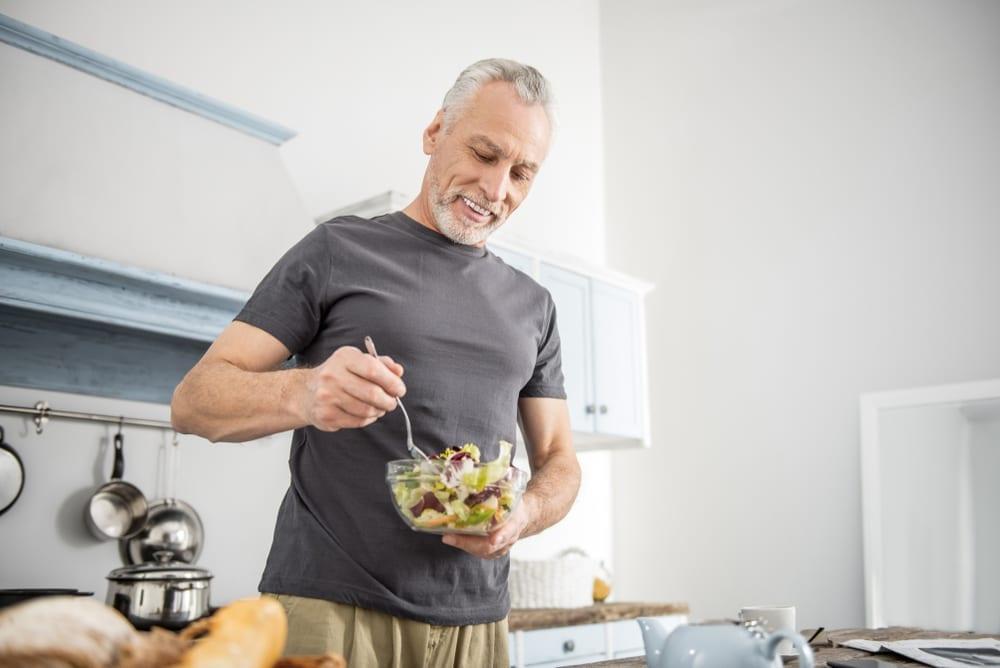 Manfred (65) geht wieder beschwingt durchs Leben
