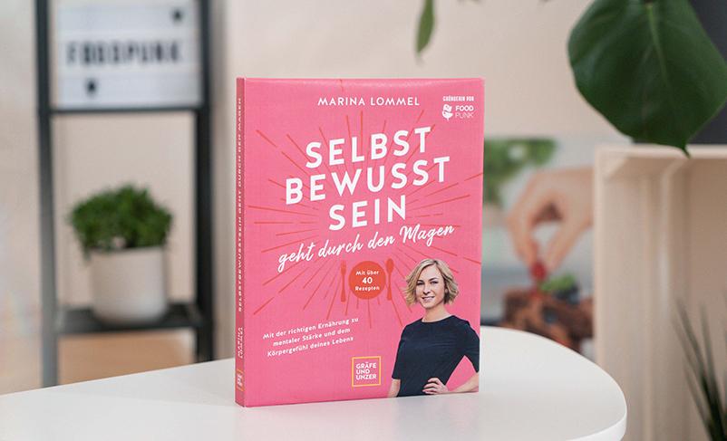 """Marinas neues Buch """"Selbstbewusstsein geht durch den Magen"""""""